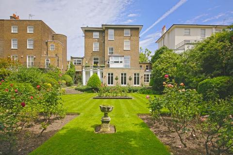 Houses to rent in abbey road north latest property for 1 blenheim terrace london nw8 0eh