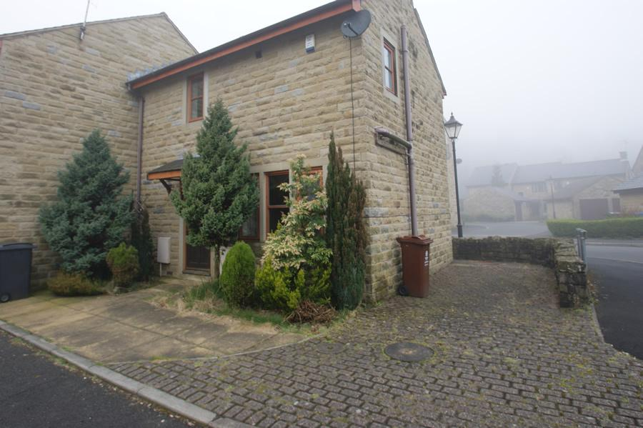 2 Bedrooms Semi Detached House for sale in Metcalf Mews, Uppermill OL3
