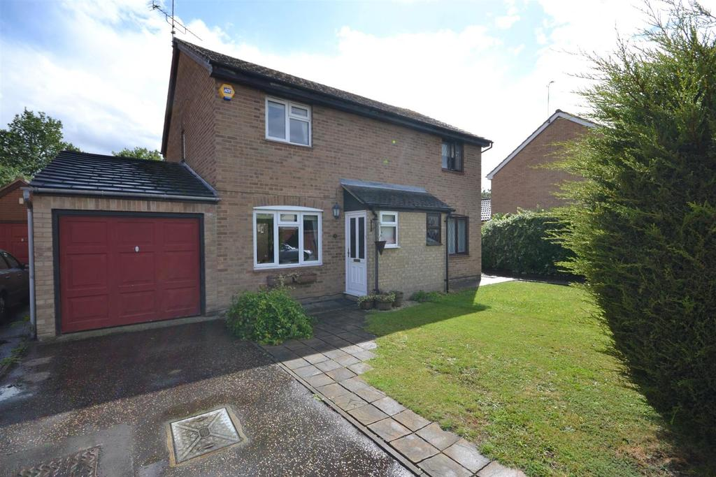 3 Bedrooms Semi Detached House for sale in Chelmsford