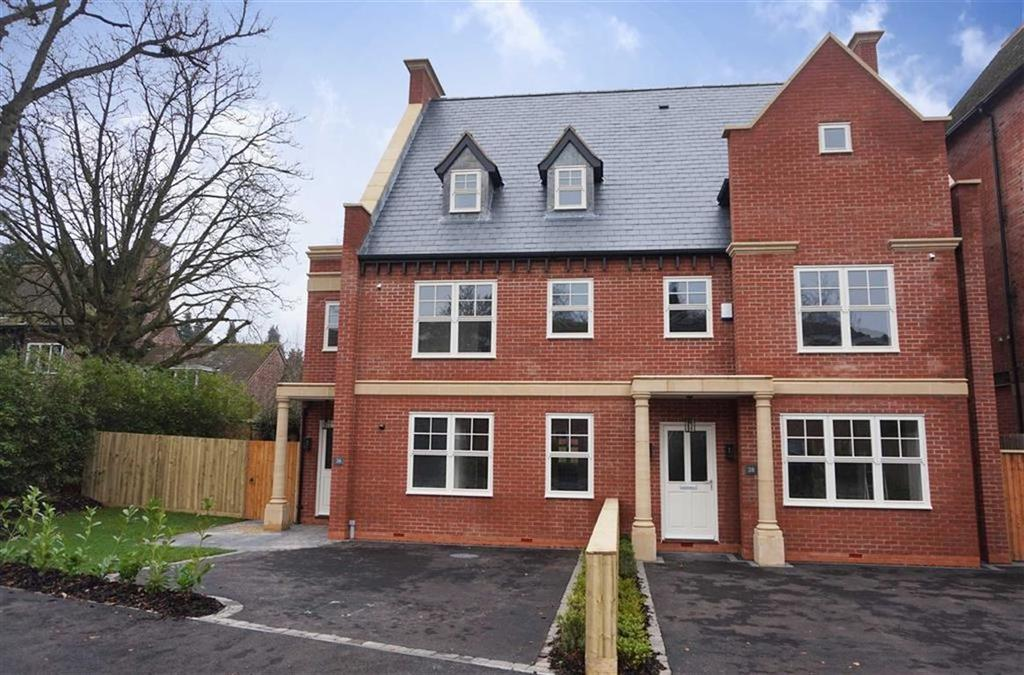 4 Bedrooms Semi Detached House for sale in Ratcliffe Road, Stoneygate, Leicester