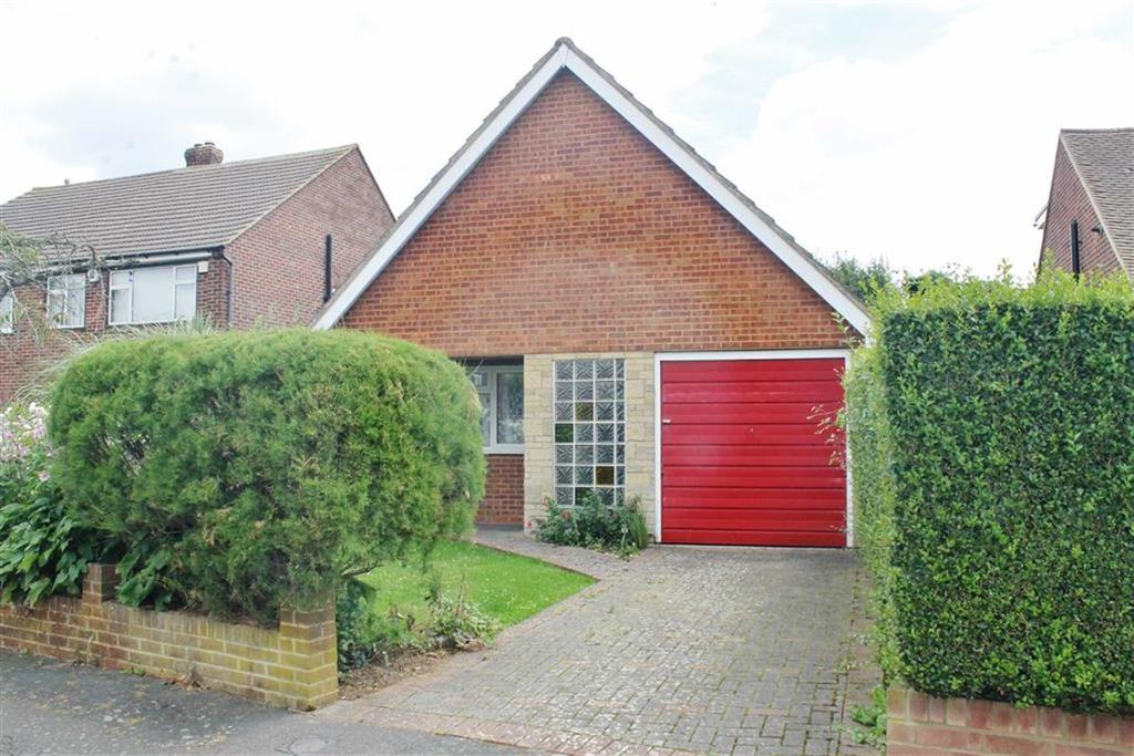 2 Bedrooms Detached Bungalow for sale in Nursery Road, Meopham