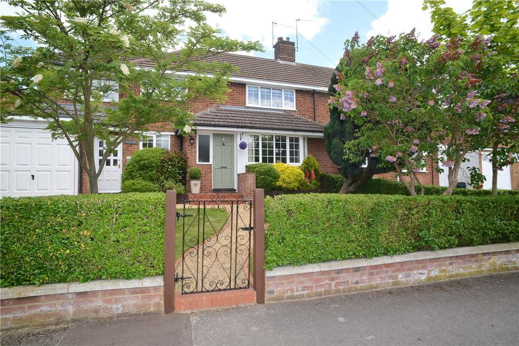 4 Bedrooms Semi Detached House for sale in Leycroft Way, Harpenden, Hertfordshire