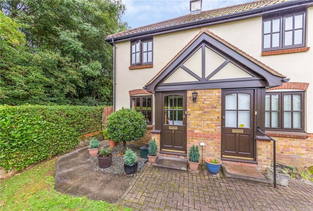 2 Bedrooms Semi Detached House for sale in Cosne Mews, Harpenden, Hertfordshire