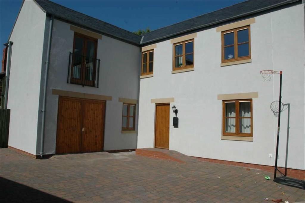 4 Bedrooms Town House for sale in Crown Mews, Crown Lane, Denbigh