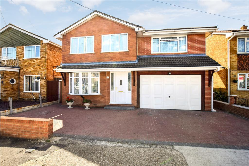 4 Bedrooms Detached House for sale in Maurice Road, Canvey Island