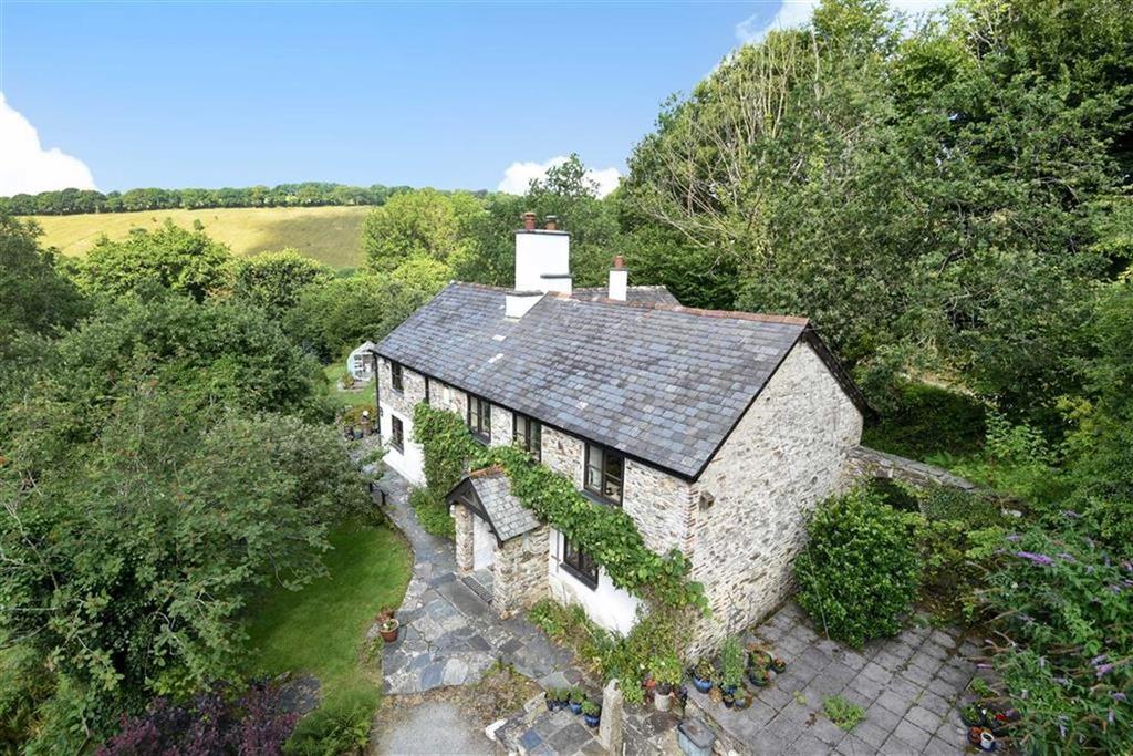 5 Bedrooms Detached House for sale in Sydenham Damerel, Tavistock, Devon, PL19