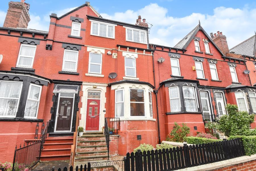 4 Bedrooms Terraced House for sale in HILTON ROAD, LEEDS, LS8 4HB