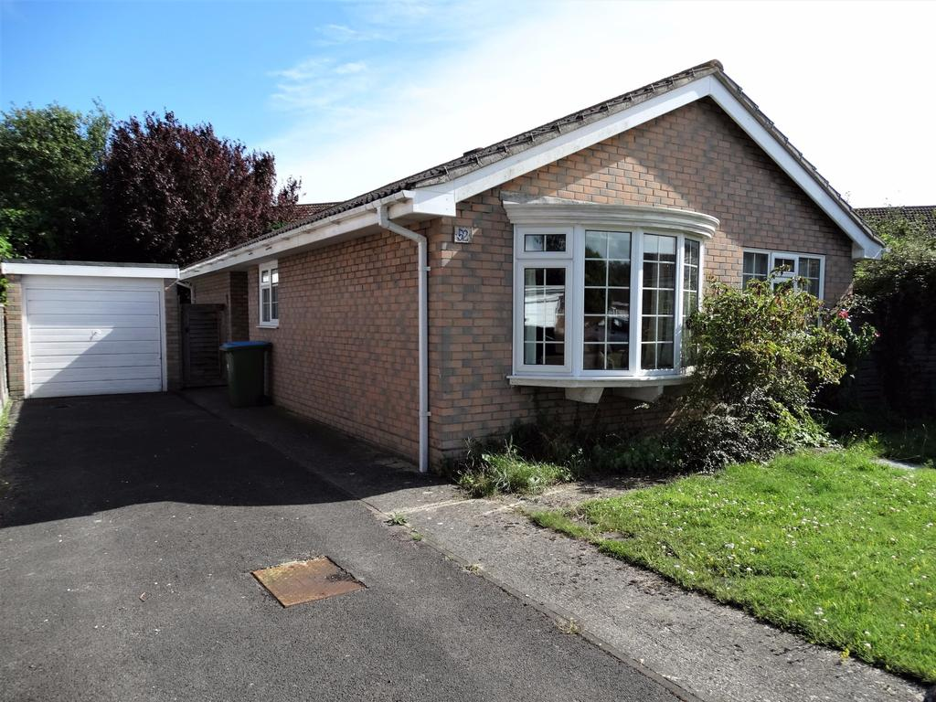 3 Bedrooms Detached Bungalow for sale in Findon Drive, Felpham