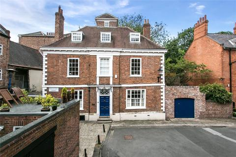 8 bedroom detached house for sale - Precentors Court, York, YO1