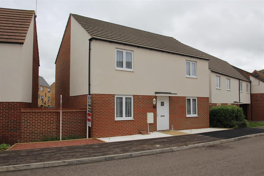 4 Bedrooms Detached House for sale in Lavender Hill, Broughton, Milton Keynes