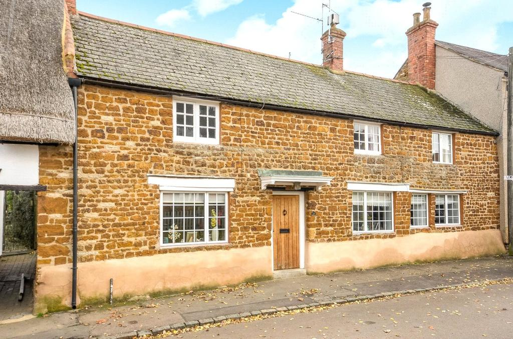 3 Bedrooms Terraced House for sale in Lodge Road, Little Houghton, Northamptonshire, NN7