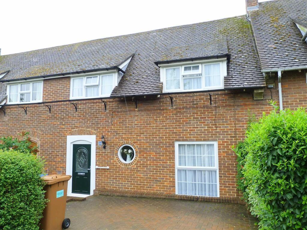3 Bedrooms Terraced House for sale in Knightsfield, West Side, Welwyn Garden City