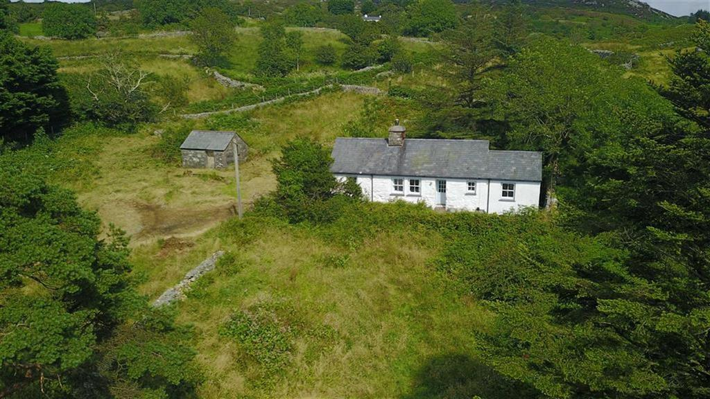 2 Bedrooms Cottage House for sale in Garndolbenmaen