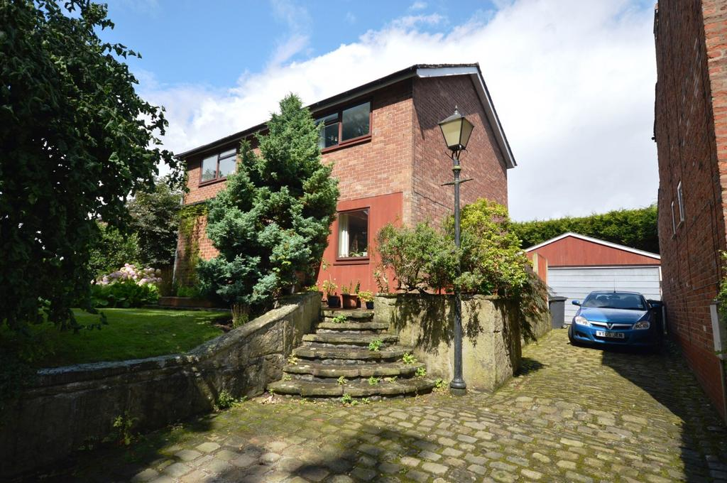 4 Bedrooms Detached House for sale in The Shrubbery, Pepper Street, Lymm, WA13