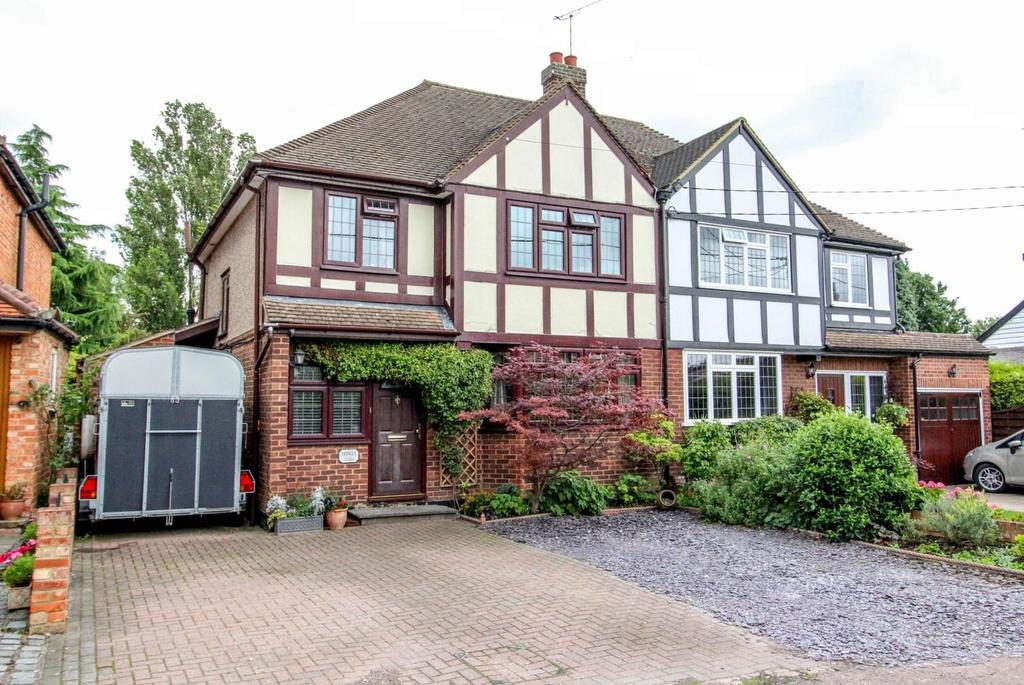 4 Bedrooms Semi Detached House for sale in Herongate, Brentwood, Essex, CM13