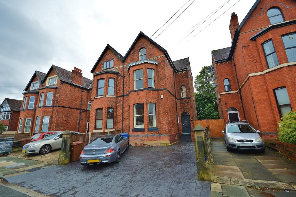7 Bedrooms Semi Detached House for sale in Brook Road, Heaton Chapel