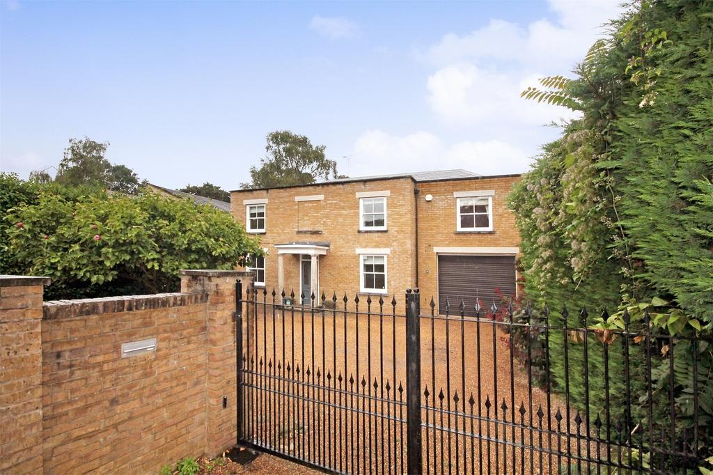 5 Bedrooms Detached House for sale in Oatlands Drive, Weybridge, Surrey