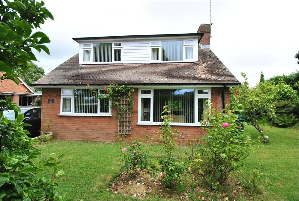 4 Bedrooms Chalet House for sale in Ellerslie Lane, BEXHILL-ON-SEA, East Sussex