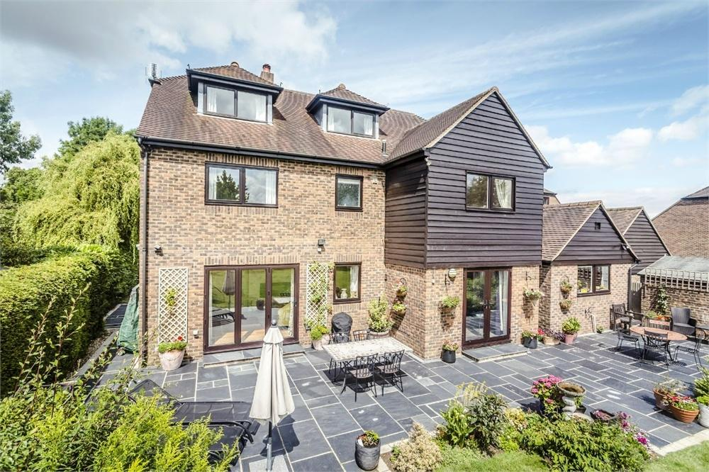 5 Bedrooms Detached House for sale in Maze Green Road, BISHOP'S STORTFORD, Hertfordshire