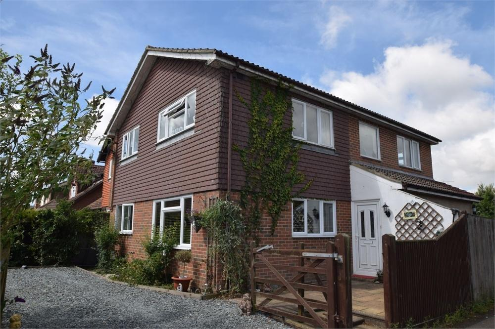 4 Bedrooms Detached House for sale in St Davids Close, Hampden Park, East Sussex