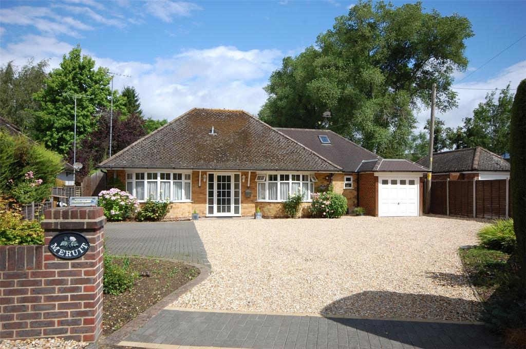 4 Bedrooms Detached House for sale in Seale, Farnham, Surrey