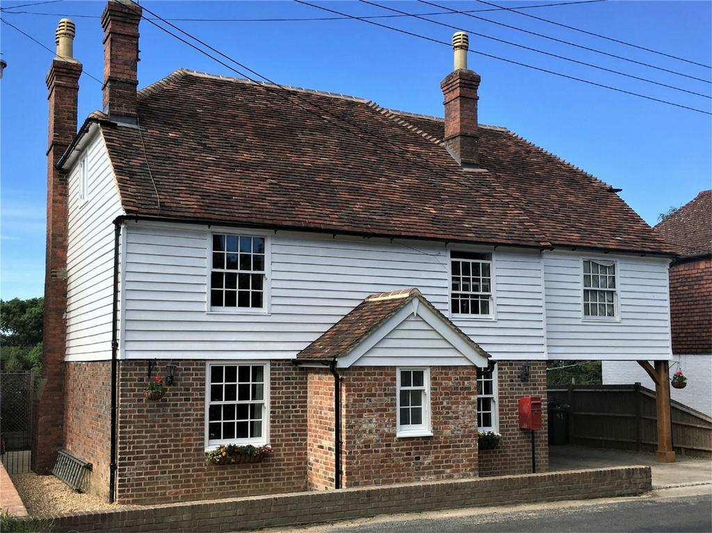 5 Bedrooms Detached House for sale in Platts Heath