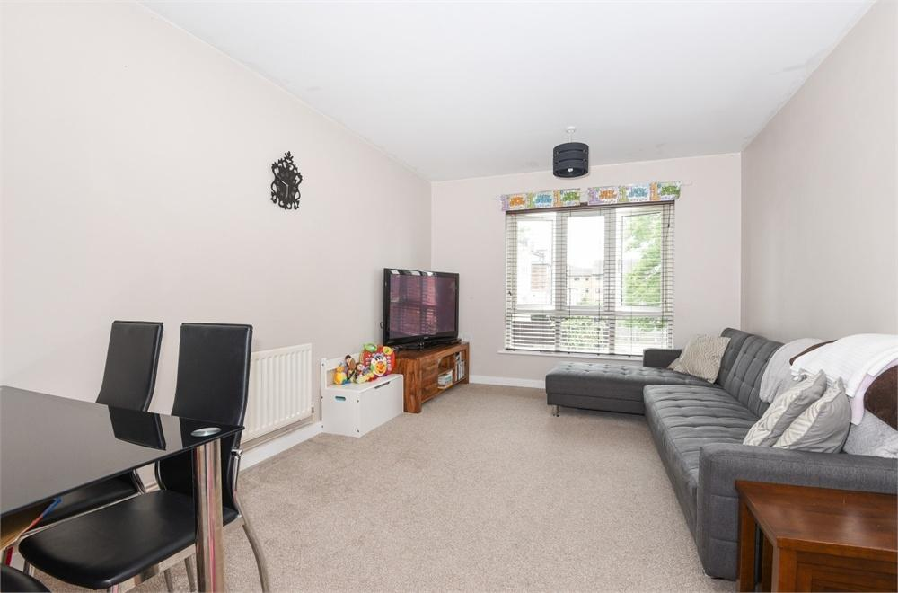 1 Bedroom Flat for sale in Collinson Court, 1b The Generals Walk, Enfield, Greater London