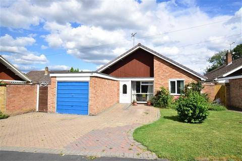 3 bedroom bungalow for sale - Marchwood Avenue, Emmer Green, Reading