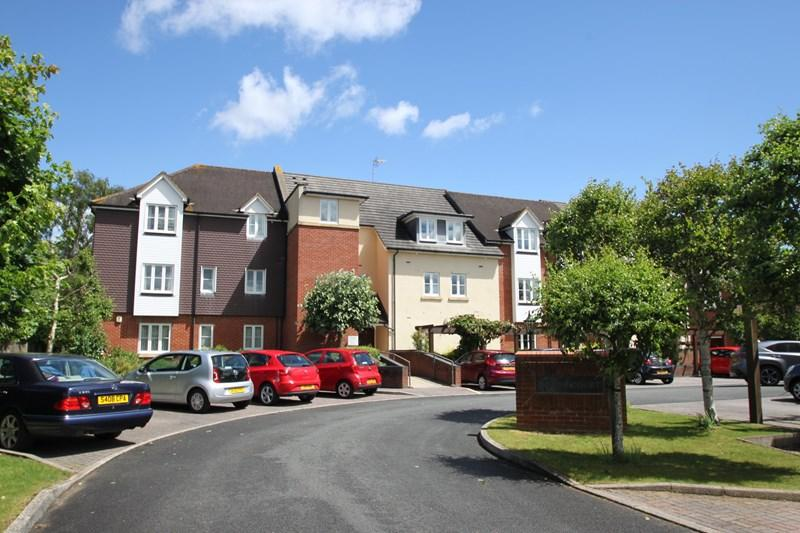 2 Bedrooms Apartment Flat for sale in Jenner Close, Verwood