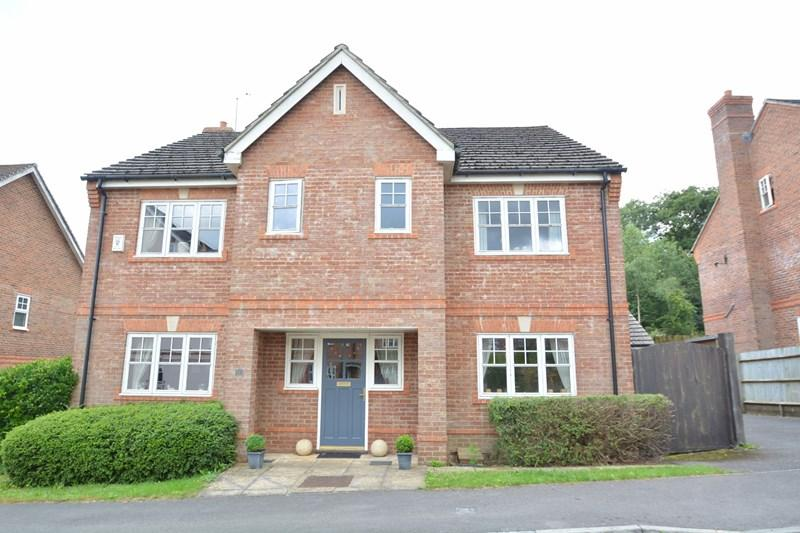 6 Bedrooms Detached House for sale in Blythe Close, Enham Alamein, Andover