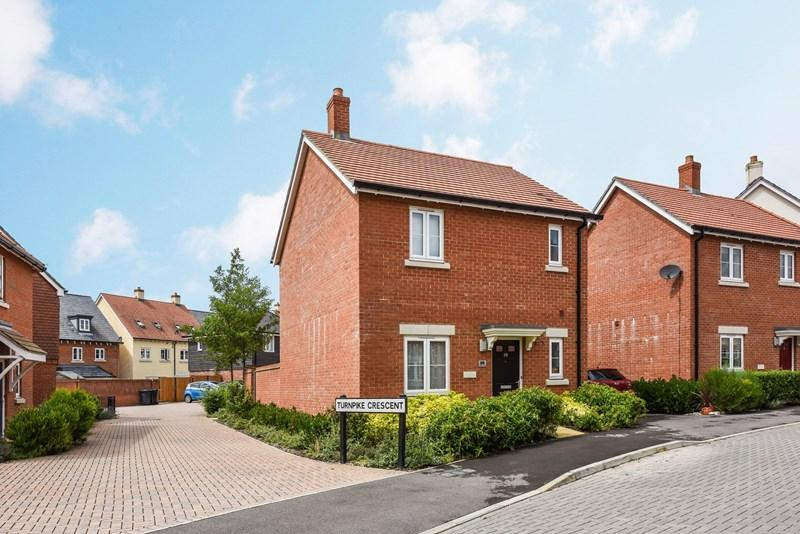 3 Bedrooms Link Detached House for sale in Quicksilver Way, Andover