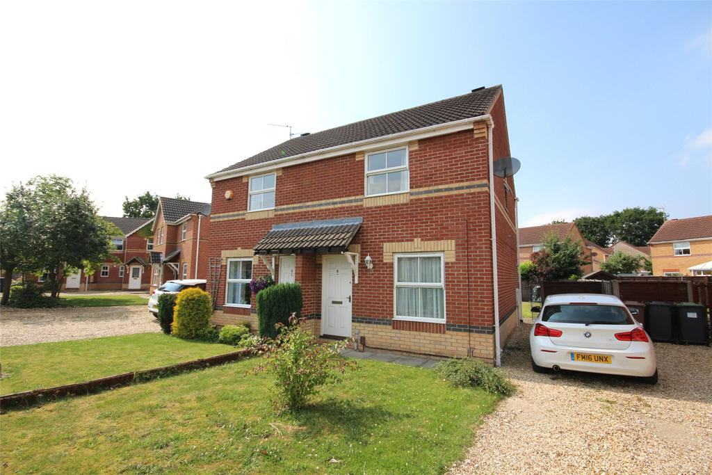 2 Bedrooms Semi Detached House for sale in Briar Close, South Hykeham, LN6
