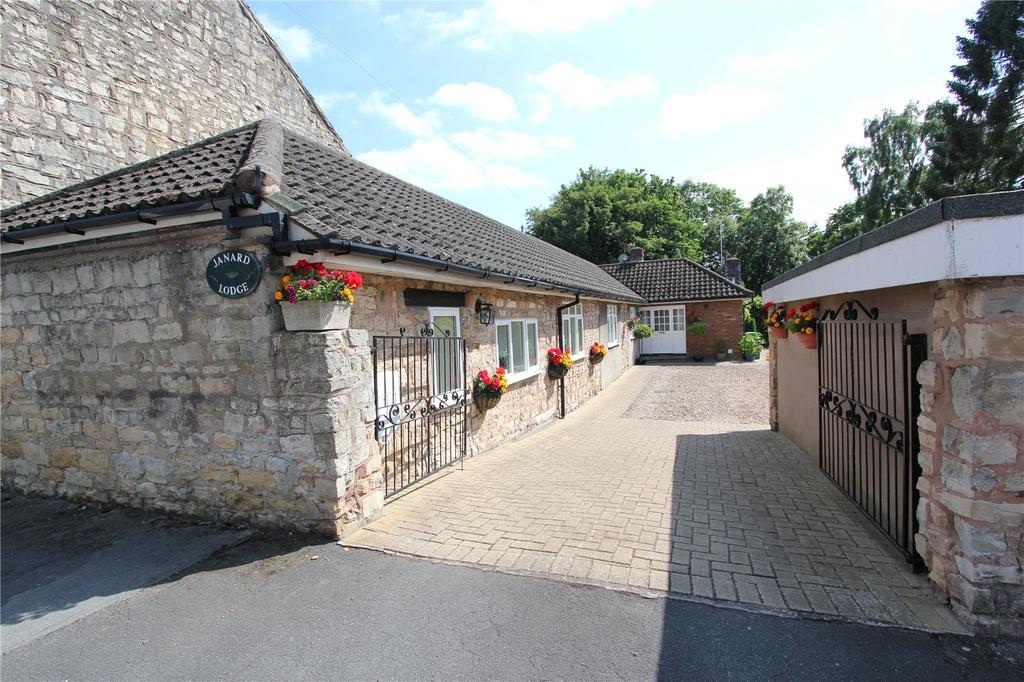 3 Bedrooms Detached Bungalow for sale in Oldcotes, Worksop, Nottinghamshire