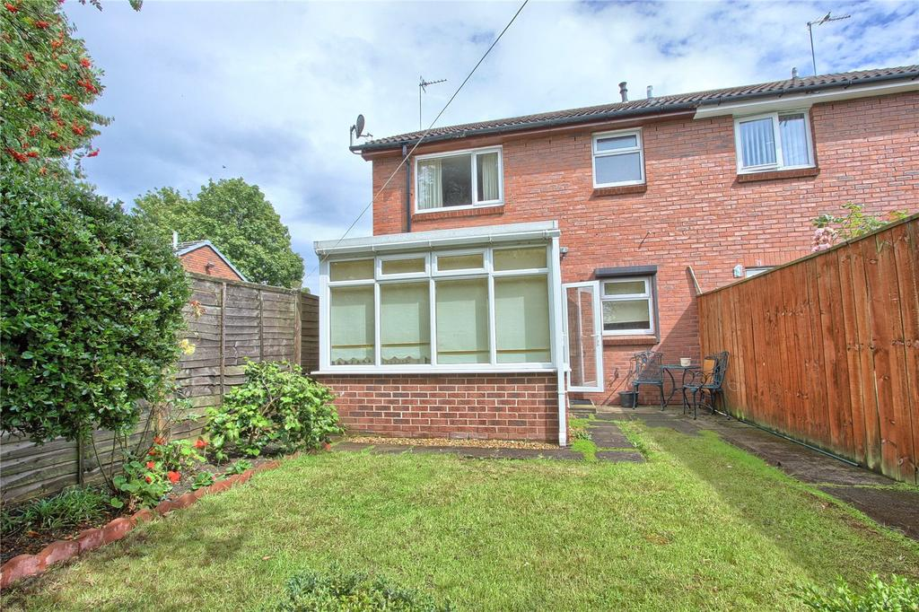 1 Bedroom Semi Detached House for sale in Larkswood Road, Redcar