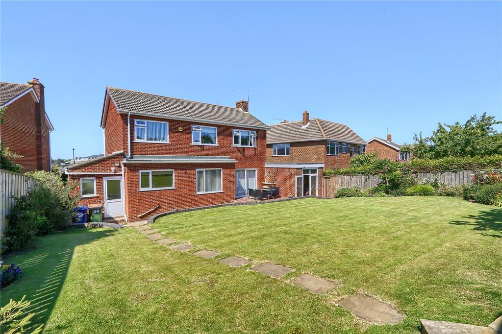 4 Bedrooms Detached House for sale in Mackie Drive, Guisborough