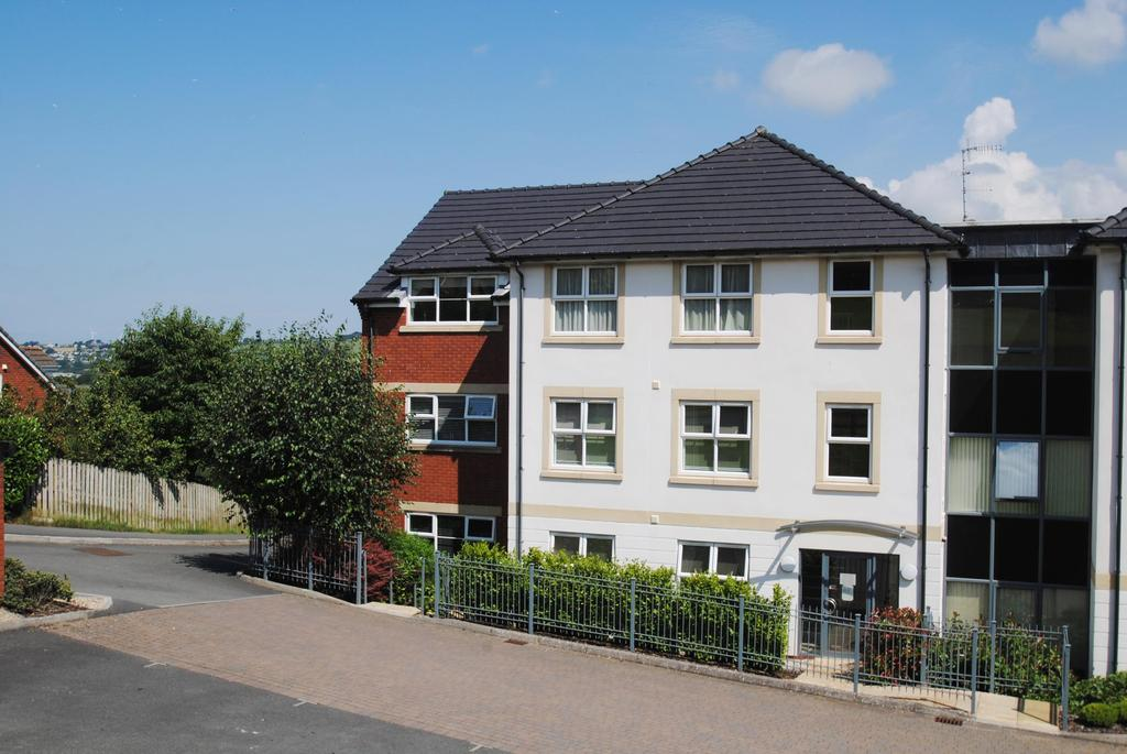 2 Bedrooms Apartment Flat for sale in Cleave Point, Sticklepath