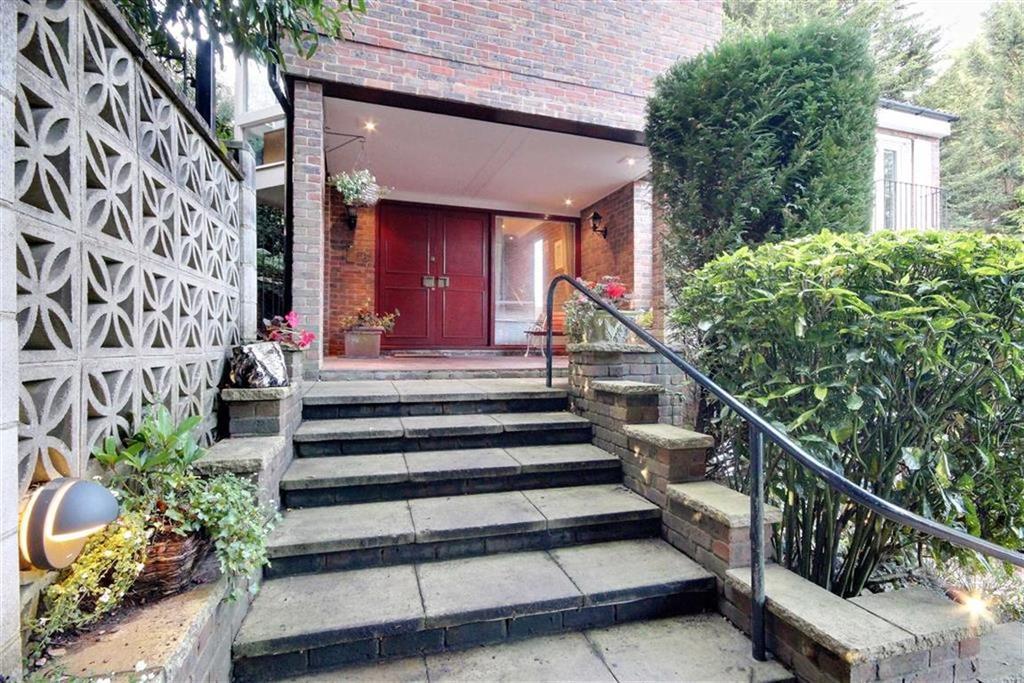 4 Bedrooms Detached House for sale in Barn Close, Radlett, Hertfordshire