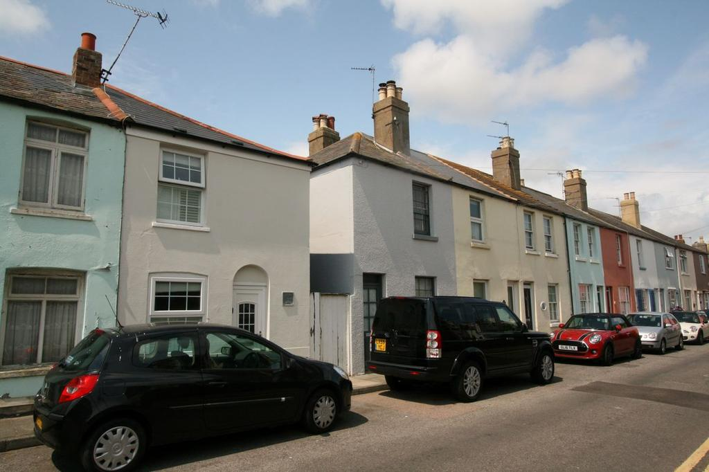 2 Bedrooms End Of Terrace House for sale in York Road, Walmer