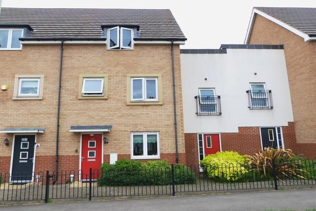 4 Bedrooms Terraced House for sale in Humberstone Lane, Leicester, LE4