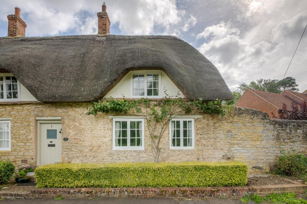 3 Bedrooms Cottage House for sale in Manor Farm Cottages, Calverton