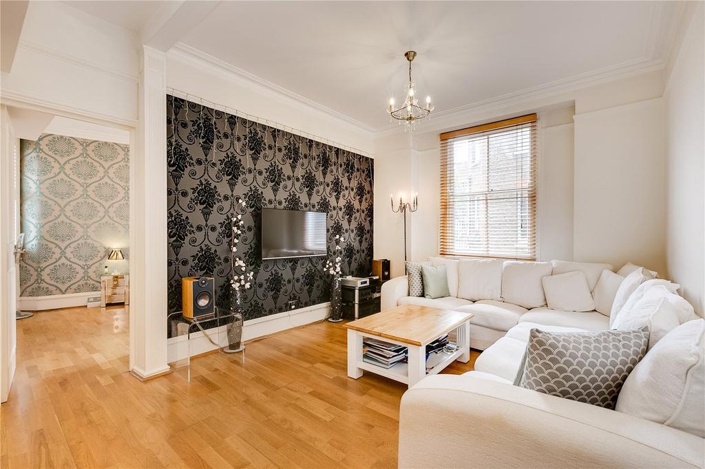 1 Bedroom Flat for sale in Waldemar Avenue Mansions, Waldemar Avenue, London