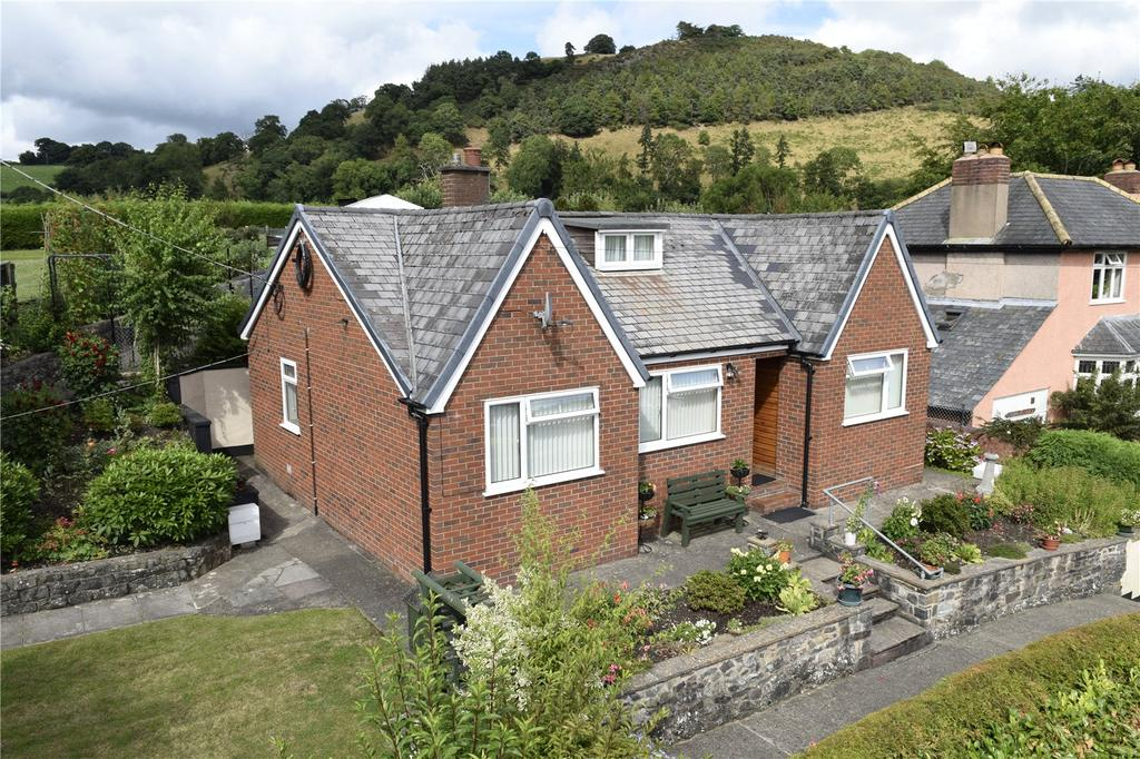 3 Bedrooms Detached Bungalow for sale in Derwlwyn Lane, Llanfyllin, Powys