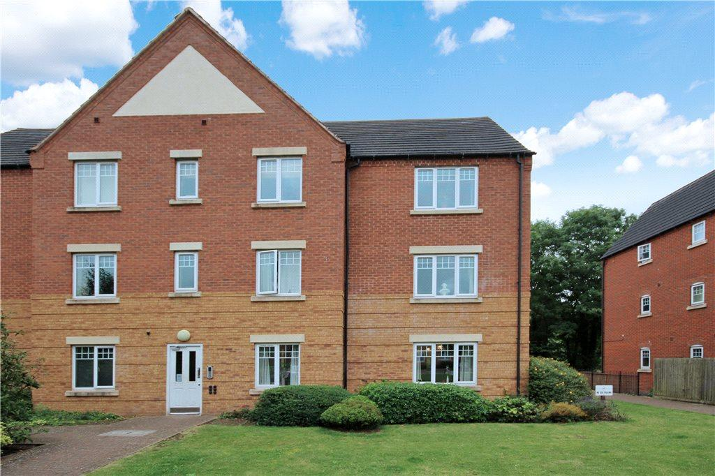 2 Bedrooms Apartment Flat for sale in Hedgerow Close, Redditch, Worcestershire, B98