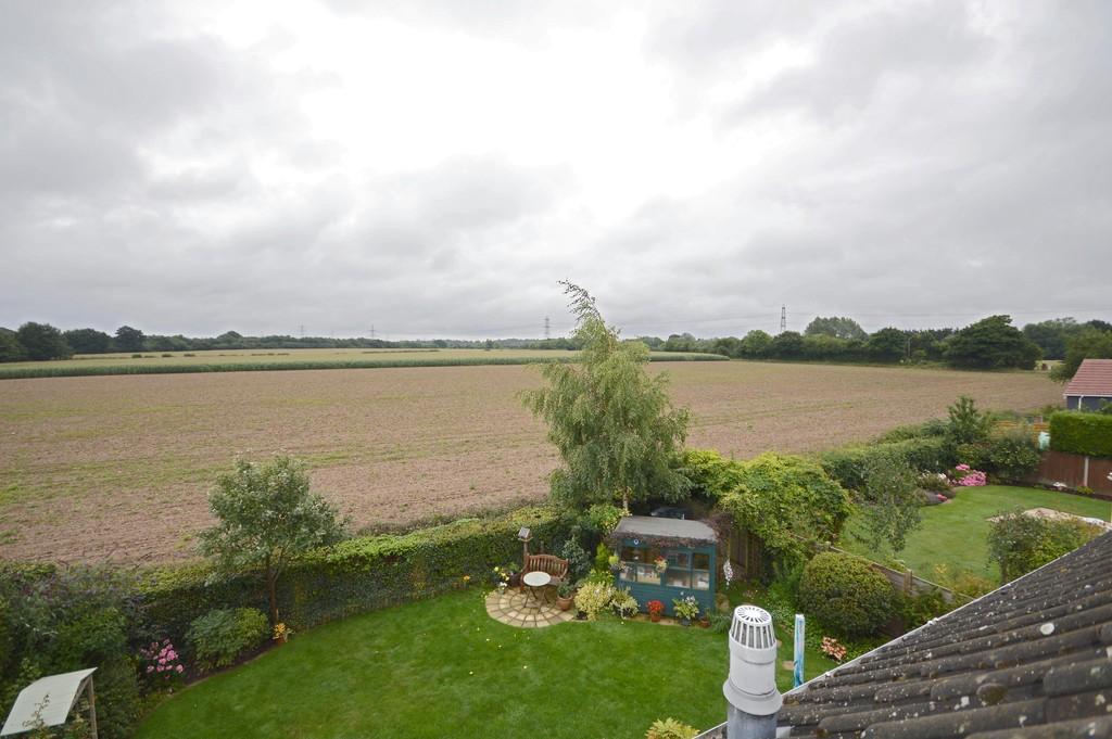 6 Bedrooms Detached House for sale in Greenacres, Little Melton