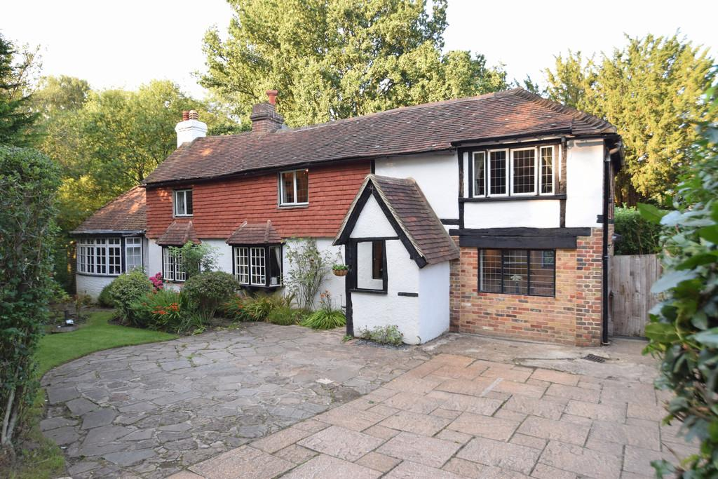 3 Bedrooms Detached House for sale in Birtley Green, Bramley, Guildford GU5 0LE