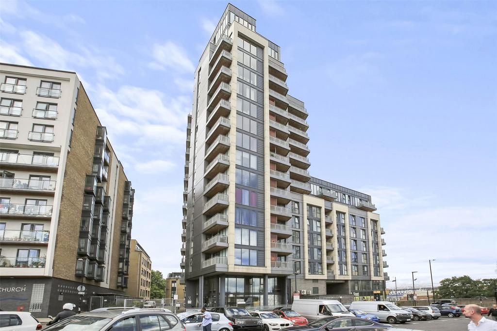 2 Bedrooms Flat for sale in Fondant Court, Taylor Place, London, E3