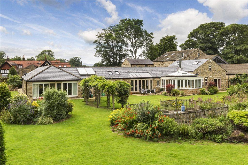 4 Bedrooms Detached House for sale in Ilkley Road, Otley