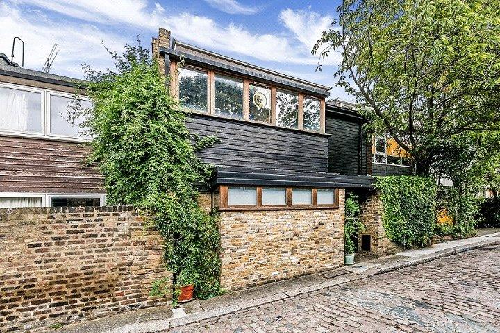 3 Bedrooms House for sale in Murray Mews, Camden Town, London, NW1