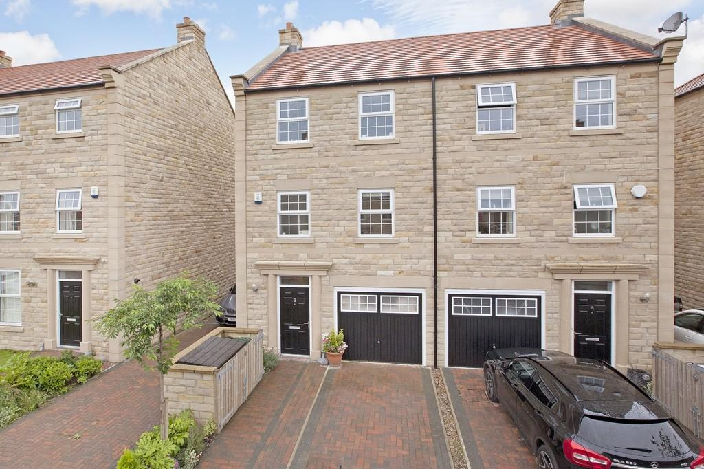 4 Bedrooms Semi Detached House for sale in Scalebor Gardens, Burley in Wharfedale