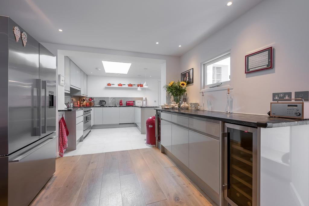 4 Bedrooms House for sale in GLYCENA ROAD, SW11